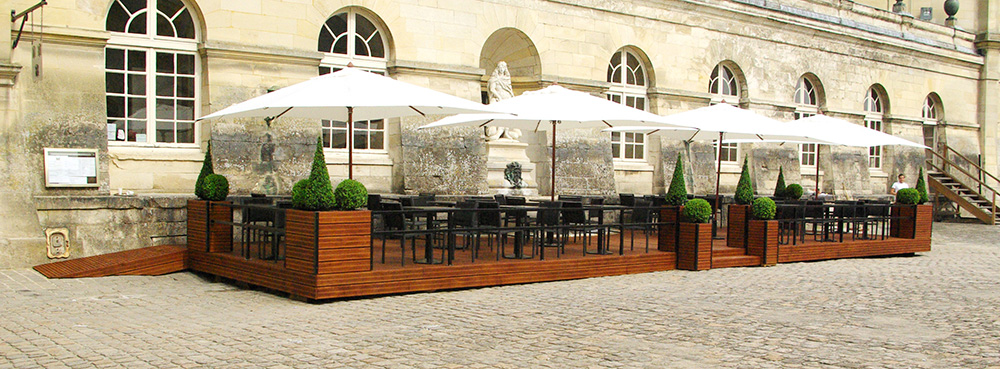 Construction, aménagement mobilier et végétal de la terrasse du Château de Chantilly