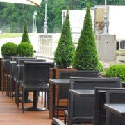 Aménagement de la terrasse du Château de Chantilly