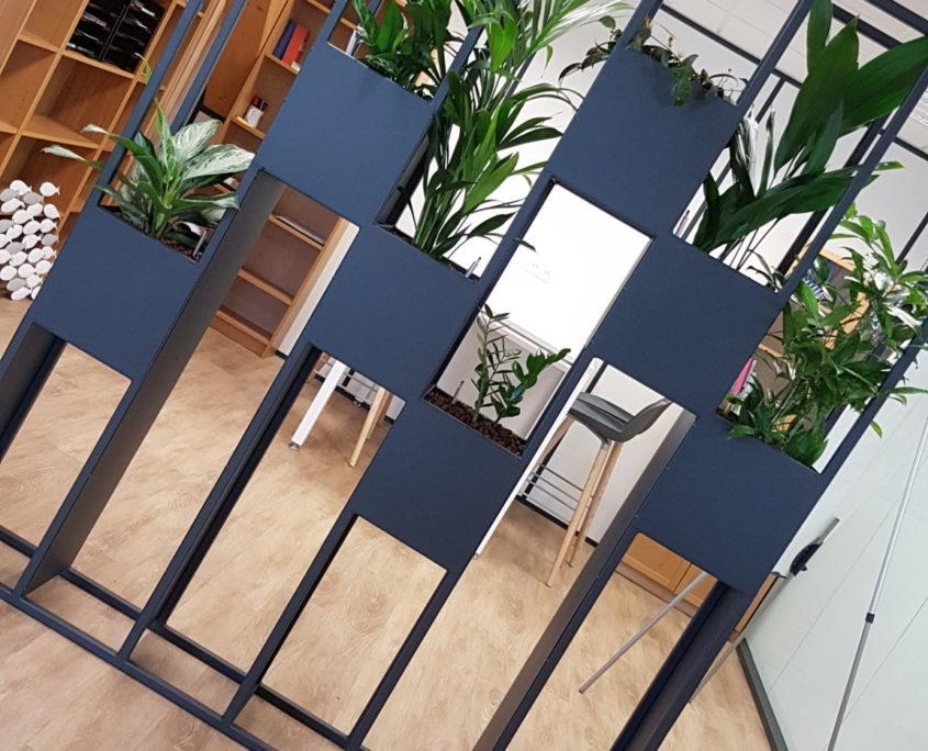 Espace de travail avec cloison séparative sur-mesure pour agencer vos bureaux